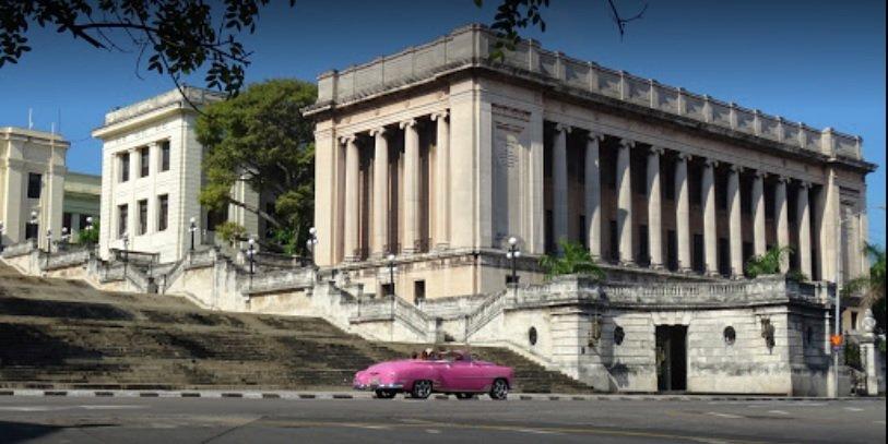 Guía de viaje y tour de arquitectura Universidad de La Habana