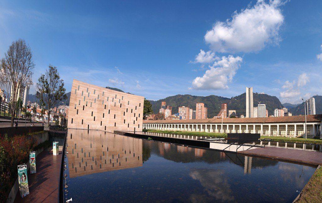 Centro de Memoria, paz y reconciliación guía de viajes de arquitectura en bogotá